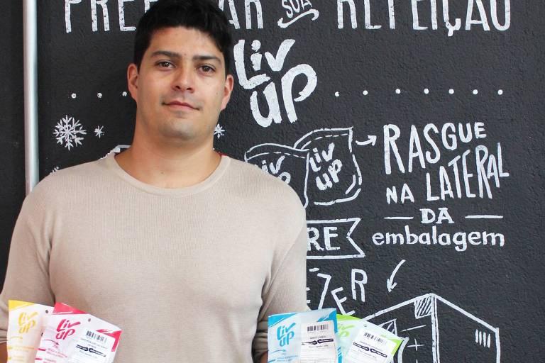 Victor Santos, 28, sócio da Liv Up, empresa especializada na venda de pratos saudáveis pela internet