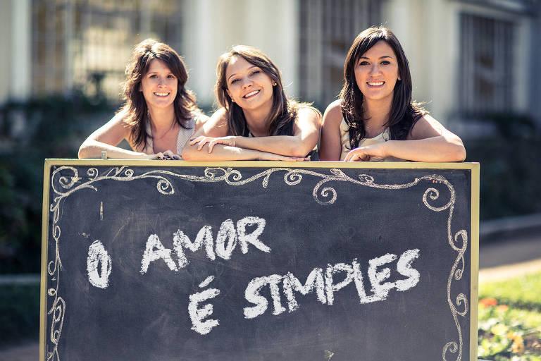 Laís Ribeiro (dir.), fundadora da O Amor é Simples, ao lado das sócias Natália Pegoraro (esq.) e Janaína Pasin