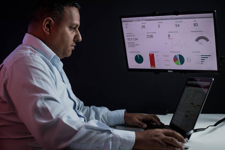 Fabio Silva, 36, fundador da Hands-On, na sede da companhia, que fica no bairro Vila Maria, na zona norte de São Paulo