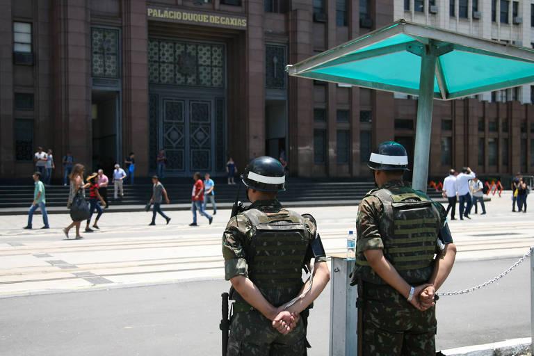 Movimentação no Comando Militar do Leste na tarde desta sexta feira 16 após pedido de intervenção militar No Rio de Janeiro
