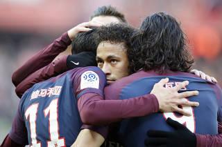 Neymarfaz golaço e dá assistência em vitória do PSGno Francês