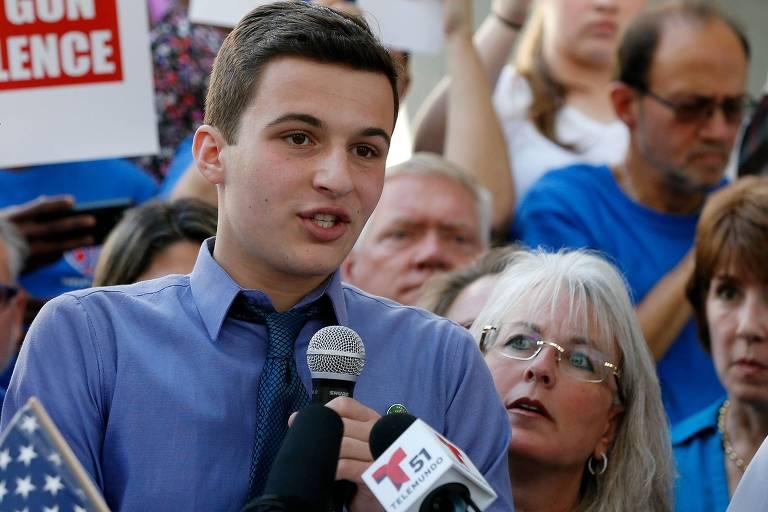 O estudante Cameron Kasky fala sobre o ataque que matou 17 pessoas em sua escola, a Marjory Stoneman Douglas