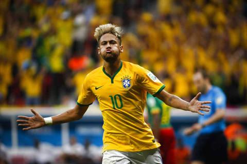 BRASILIA, DF, BRASIL. 23.06.2014. Neymar comemora seu segundo gol durante a partida entre a Brasil e Camaroes, no estadio Nacional Mane Garrincha, em Brasilia, pela Copa do Mundo. (Foto: Moacyr Lopes Junior/Folhapress, ESPORTE). ***EXCLUSIVO***