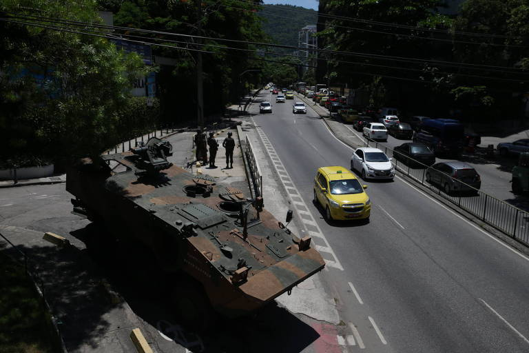 Resultado de imagem para Temer pedirá mandados coletivos de busca e prisão no Rio