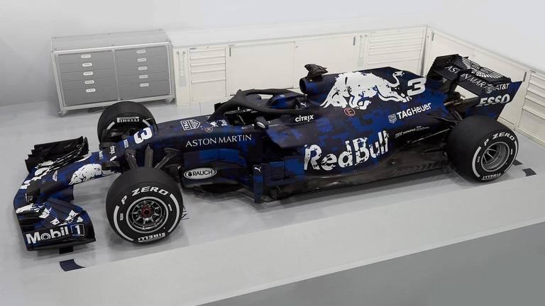 0a2f00181a Red Bull apresenta carro de 2018 da F-1 com pintura camuflada - 19 ...