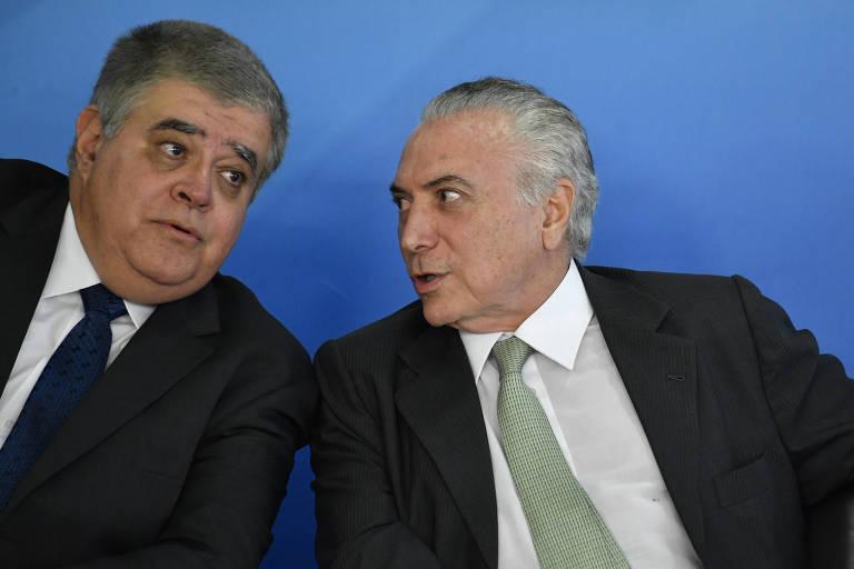 Carlos Marun em sua posse como ministro da Secretaria de Governo, ao lado do presidente Michel Temer