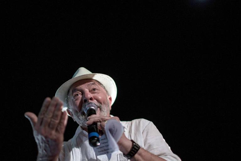 O ex-presidente Lula durante comício na cidade de Diamantina, interior  do estado de Minas Gerais
