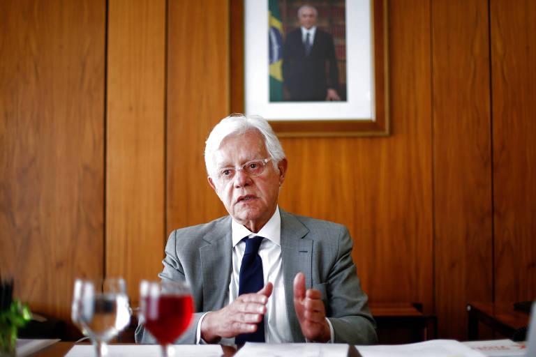 O ministro Moreira Franco, em entrevista em seu gabinete