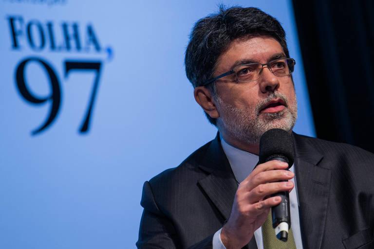 """O jornalista Manoel Fernandes, sócio da empresa de análise de dados Bites, durante o debate """"Curti, não curti: jornalistas nas redes sociais"""""""