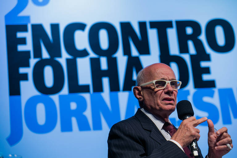 """O jornalista Ricardo Boechat (Band) durante a mesa """"Era dos extremos: cobertura política e apartidarismo"""", no 2º Encontro Folha de Jornalismo"""