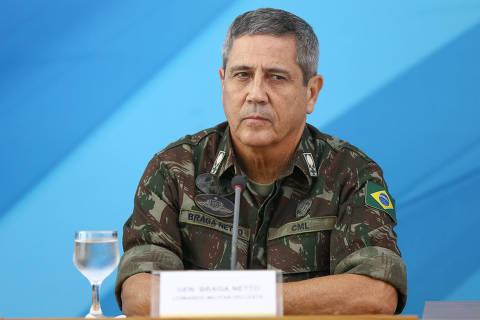 Nomeado interventor no Rio vêação militar com 'reserva'
