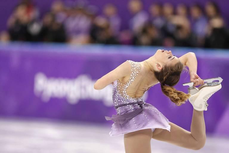 A patinadora brasileira Isadora Williams compete durante os Jogos de Inverno de PyeongChang