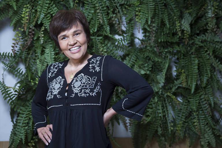 A atriz Claudia Rodrigues, que faz tratamento e se recupera de esclerose múltipla, no camarim da Rede TV!