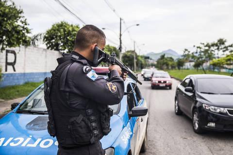 Após promoções sem concurso, PM do Rio tem mais chefes que soldados