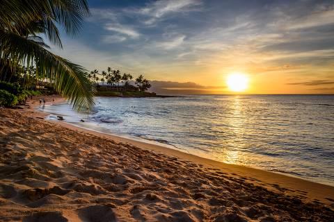 Pôr do sol na praia Napili, Maui, no Havaí