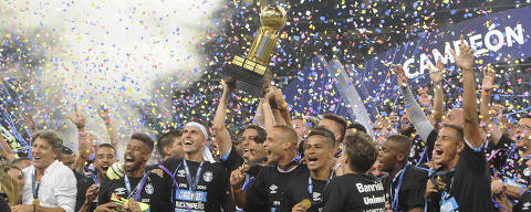 Players of Brazil's Gremio celebrate winning the Recopa Sudamericana title after defeating Argentina's Independiente in Porto Alegre, Brazil, early Thursday, Feb. 22, 2018. (AP Photo/Wesley Santos) ORG XMIT: XWS113