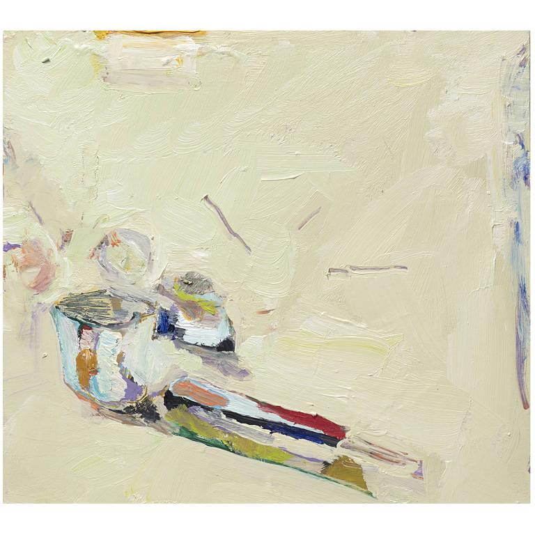 pintura em branco com detalhes coloridos