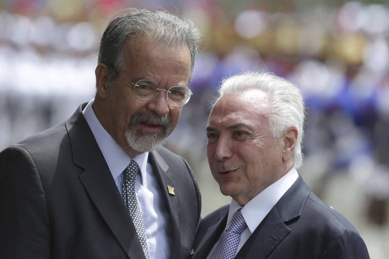 O ministro da Defesa, Raul Jungmann, ao lado do Presidente da República, Michel Temer