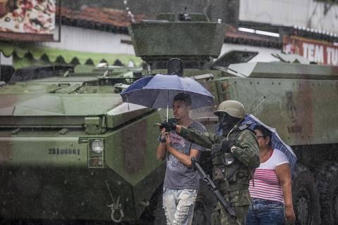 Comandante do Exército diz que interventor vai pedir R$ 1,5 bi para o Rio