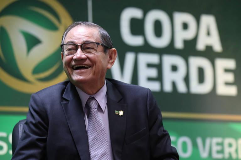 Coronel Nunes sorri durante o lançamento da Copa Verde, em Rio Branco (AC)