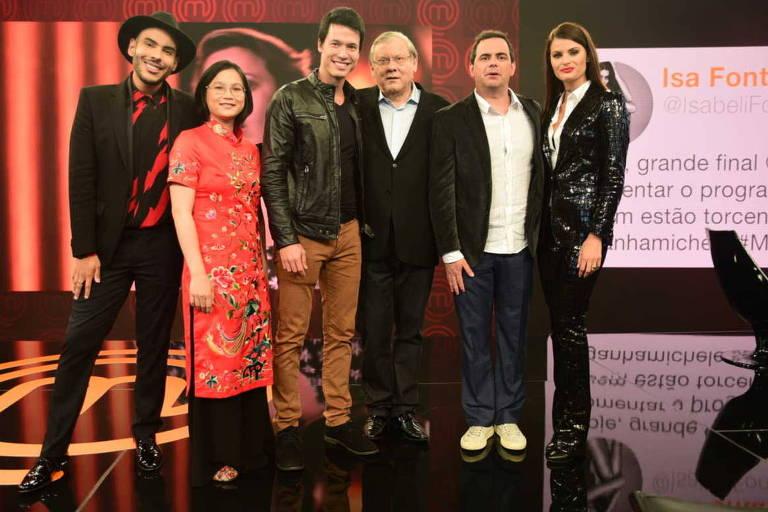 Hugo Gloss, Isabelli Fontana, Milton Neves, Carioca e Jiang na final do Master Chef Brasil na Band