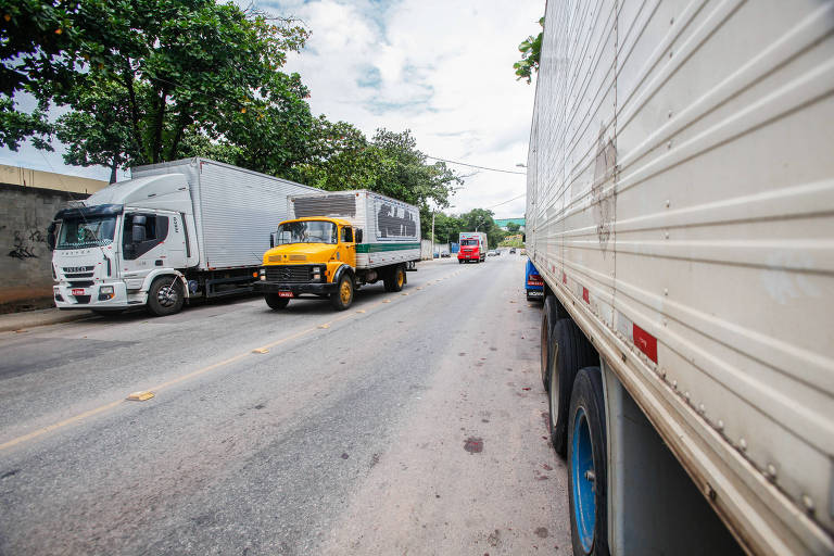 No Rio, ladrões de carga ampliam foco e visam itens de baixo valor e alto consumo, como frango, chocolate, leite e refrigerante