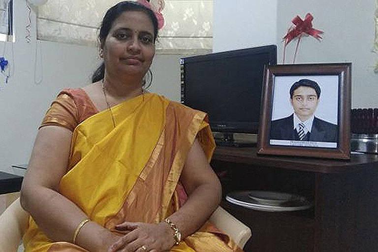 Rajashree Patil decidiu usar o material genético do fiho para fazer a família crescer