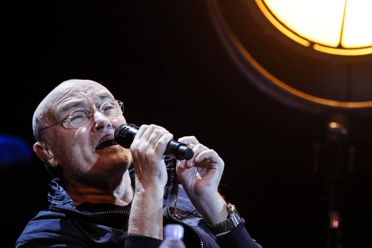 O cantor britânico Phil Collins se apresenta no Allianz Parque