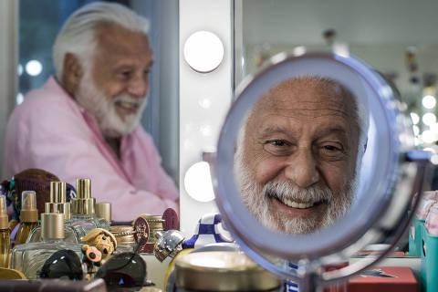 SAO PAULO, SP, BRASIL, 26-01-2018, 17h30: Retrato de Antonio Fagundes para entrevista de domingo da coluna da Mônica Bergamo. (Foto: Eduardo Anizelli/Folhapress, ILUSTRADA/MONICA BERGAMO) ***EXCLUSIVO***