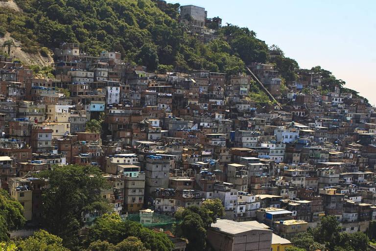 Morro do Cantagalo, no bairro de Ipanema, zona sul do Rio