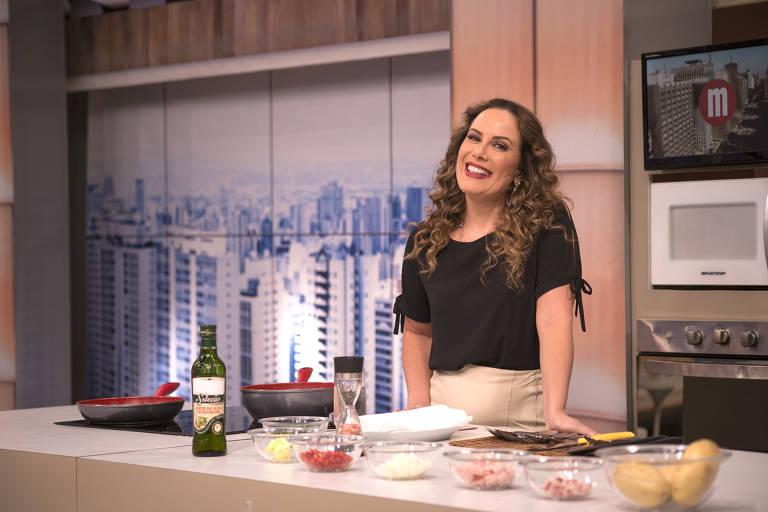 Regina Volpato à frente do programa da Gazeta Mulheres