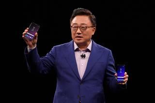 Para enfrentar iPhone X, Samsung apresenta GalaxyS9 eS9+