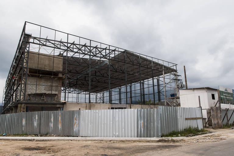 Obras do Centro de Iniciação ao Esporte da Praia Grande (SP) que, segundo o Ministério do Esporte, está 24,89% concluído