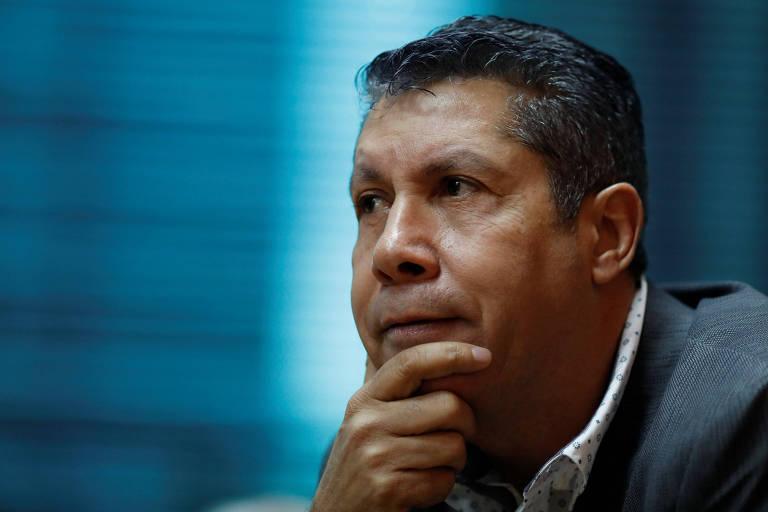 O líder opositor venezuelano Henri Falcón, candidato à Presidência, encontra jornalistas internacionais em Caracas
