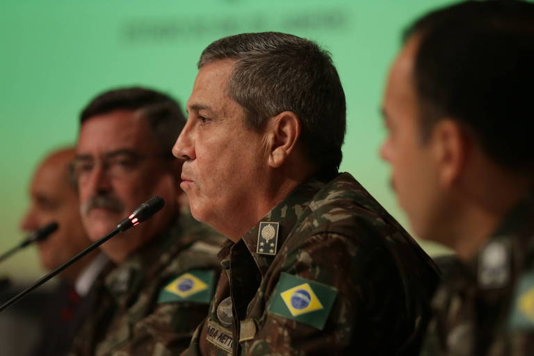 O interventor federal e comandante militar do Leste, Braga Netto, em entrevista à imprensa