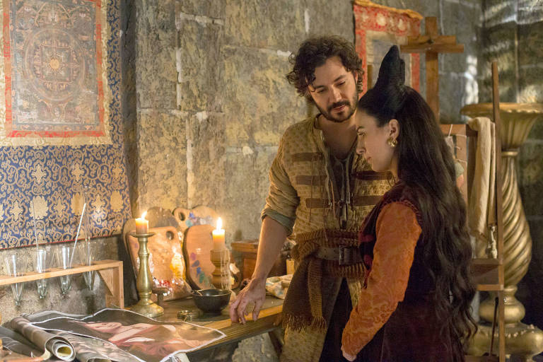 Cenas da novela 'Deus Salve o Rei'