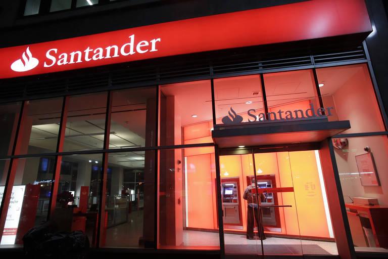 ... agiu rápido e evitou o furto a uma agência do banco Santander. O fato  ocorreu na tarde de sábado(2),por volta das 14h30, na rua Rio de Janeiro,  ...