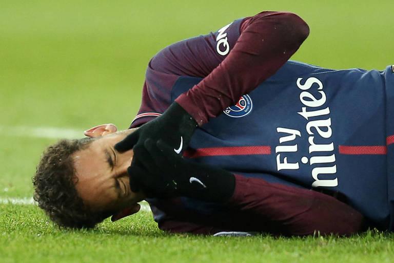 Neymar se lesionou durante jogo do PSG pelo Campeonato Francês