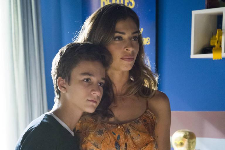Vitor Figueiredo e Grazi Massafera em cena de O Outro Lado do Paraíso (Globo)