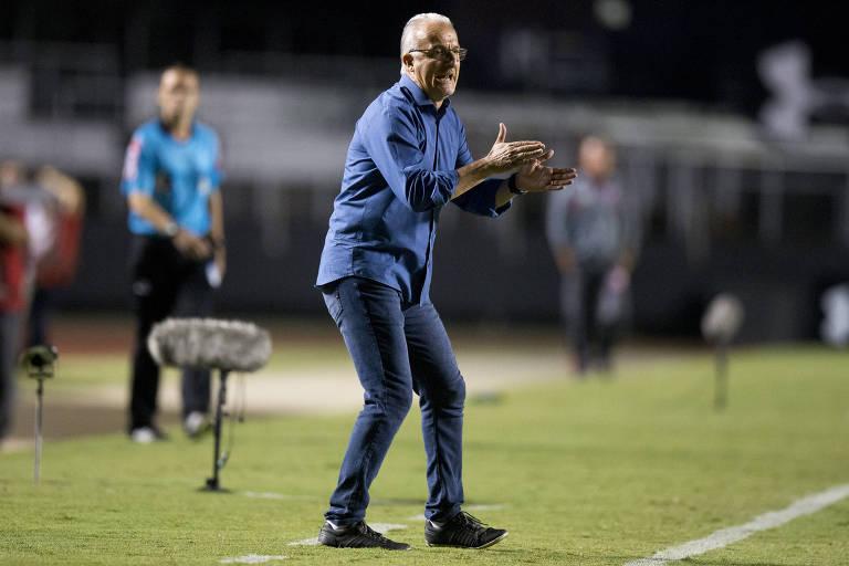 O técnico Dorival Júnior, demitido do comando do São Paulo nesta sexta-feira (9)