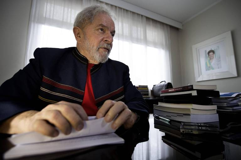 Lula em seu escritório no Instituto que leva seu nome
