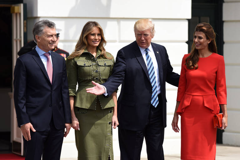 Da esq. para a dir., o presidente da Argentina, Mauricio Macri, a primeira-dama dos EUA, Melania Trump, o presidente dos EUA, Donald Trump, e a primeira-dama argentina, Juliana Awada, durante encontro na Casa Branca