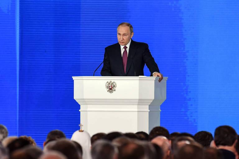 O presidente russo, Vladimir Putin, faz seu discurso sobre o Estado da União em Moscou