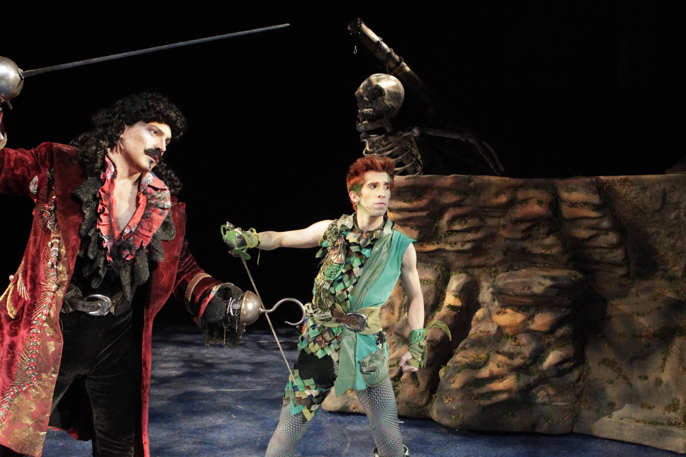 Quinta tem estreia de 'Peter Pan, o Musical' e show de As Bahias e a Cozinha Mineira