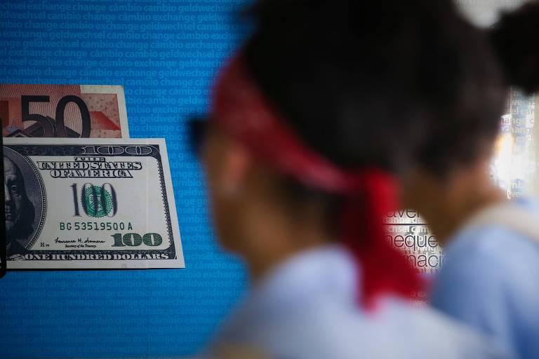 Seis dicas para baratear sua compra de dólar