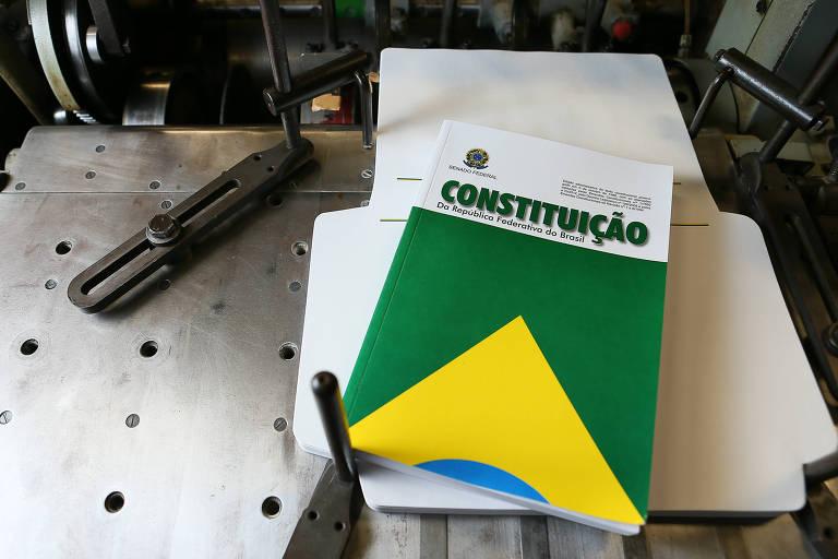 Usar exemplo chileno para propor uma nova Constituição no Brasil é oportunismo