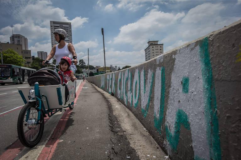 Ciclovia na avenida Ricardo Jafet