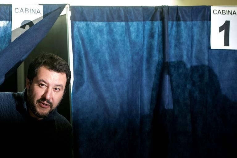 Matteo Salvini, líder da Liga, ao votar em Milão