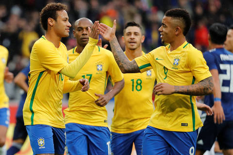 Soccer Football - International Friendly - Brazil vs Japan - Stade Pierre-Mauroy, Lille, France - November 10, 2017   Brazil?s Neymar celebrates with Gabriel Jesus after scoring their first goal    REUTERS/Yves Herman ORG XMIT: AI