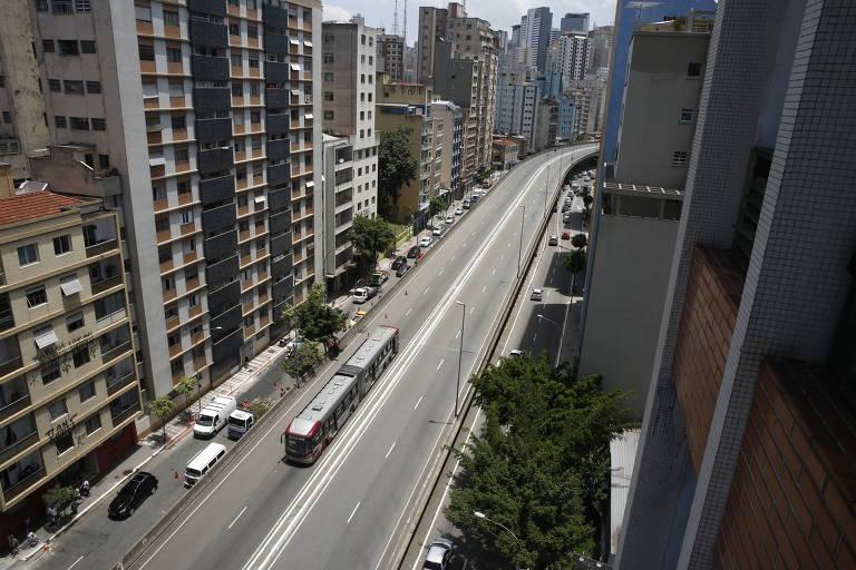Viaduto Nove de Julho, reaberto para carros por determinação de Doria